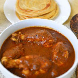 Varutharacha Chicken Curry