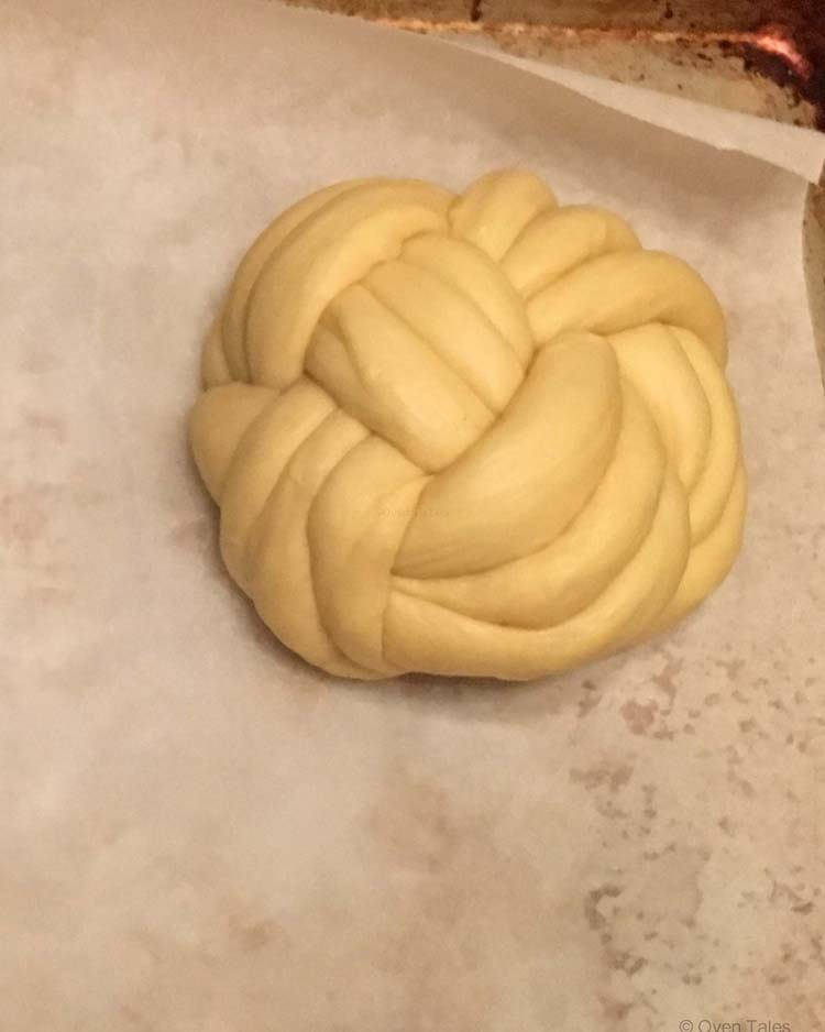 Berne Brot Shaped into a winston knot