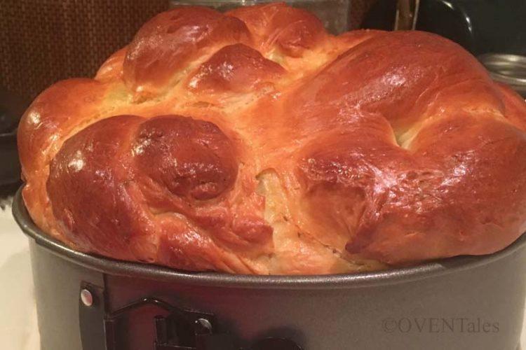 Baked bread still in the springform pan.