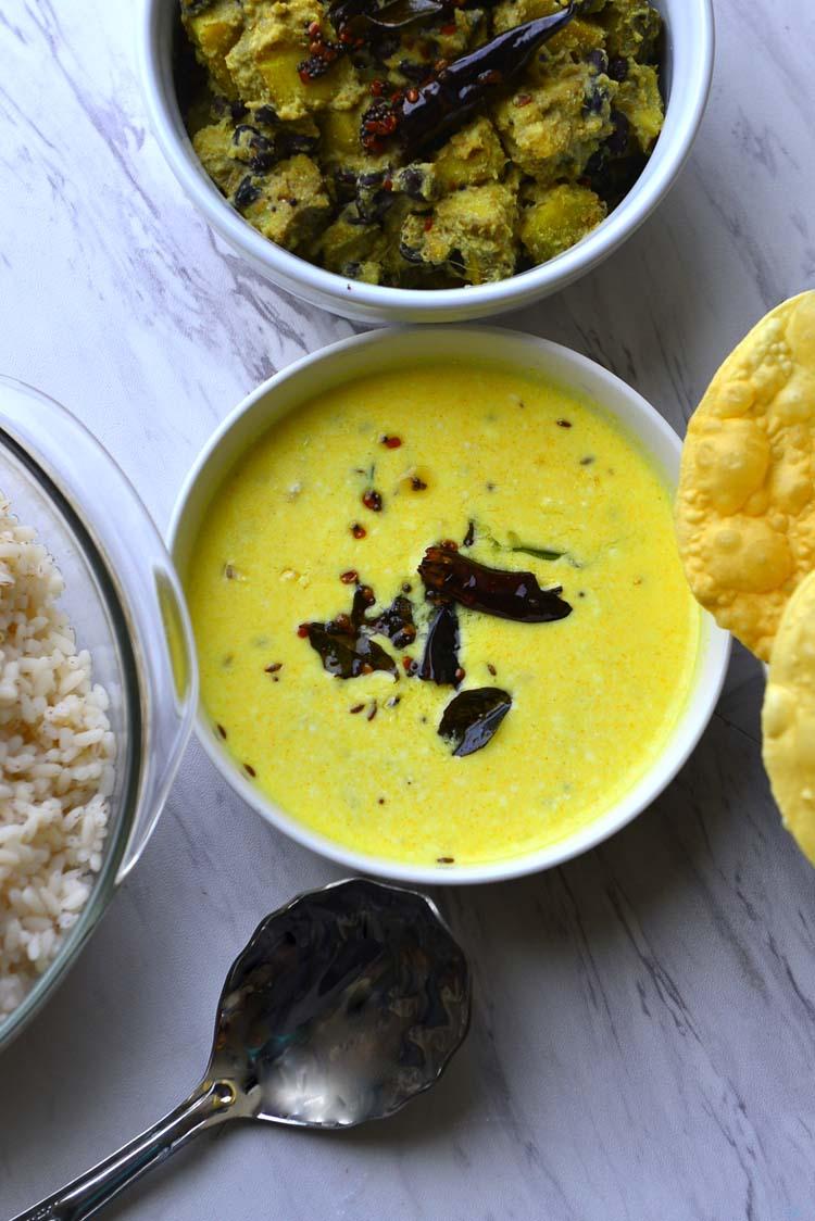 Pulisseri - Spiced yogurt Curry, Kerala Sadya Recipe