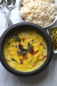 Coconut Based Shrimp Curry With Raw Mangoes
