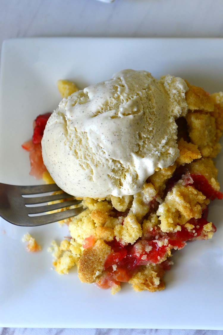 Strawberry Rhubarb Crumble With Vanilla Ice Cream