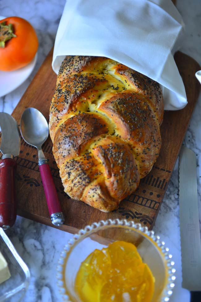 No knead version of soft and delicious challah - easy to make even for a beginer baker
