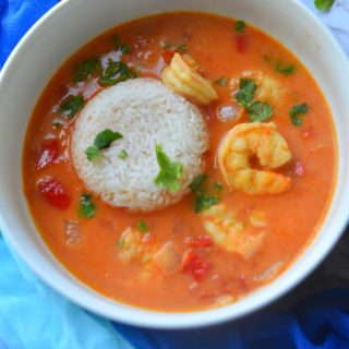 Moqueca de Camarones - The brazilian Style Coconut Shrimp Stew